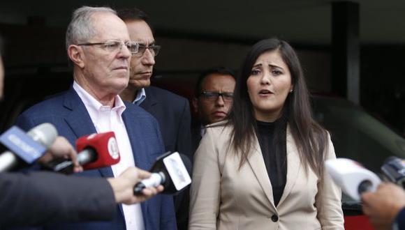 Yamila Osorio pide agua para Tambo. (Mario Zapata)
