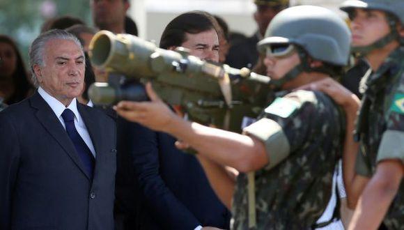 Michel Temer no se lució la banda presidencial. (Reuters)