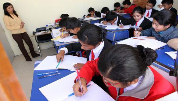 Alto costo de matrícula. (Perú21)