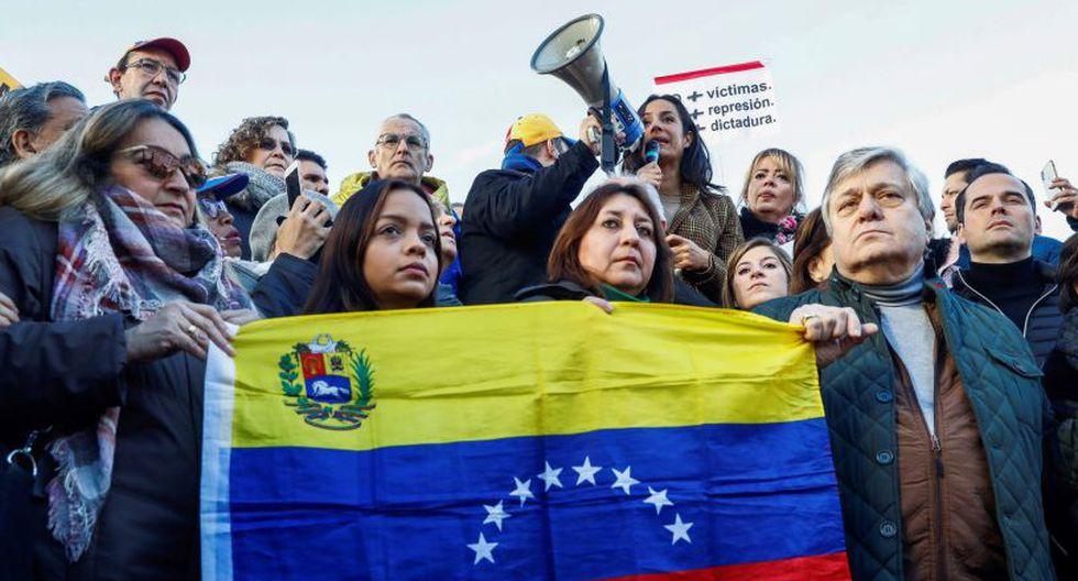 """También gritaron """"Guaidó presidente"""", en apoyo a Juan Guaidó, presidente de la Asamblea Nacional, de mayoría opositora, que declaró a Maduro """"usurpador"""" luego de que el mandatario socialista asumiera su nuevo periodo.(EFE)."""