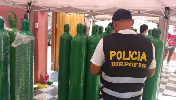 Balones de oxígeno fueron incautados por la Policía Fiscal.