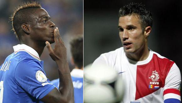 Balotelli marcó de penal, mientras Van Persie hizo un doblete. (AP/Reuters)
