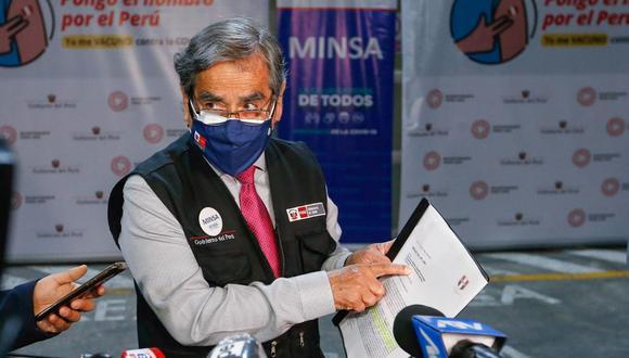 El ministro de Salud, Óscar Ugarte, anunció las fechas de la llegada de vacunas de AstraZeneca y de Sinopharm. (Foto: Minsa)