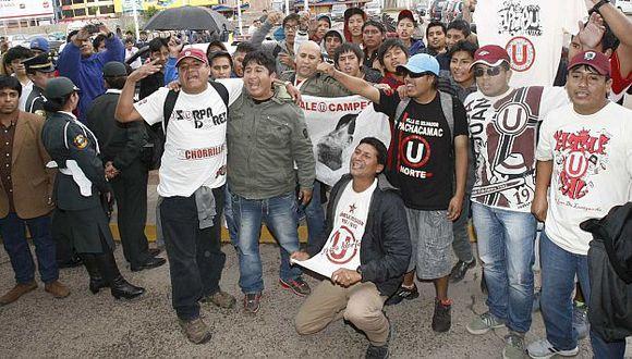 Hinchas denunciaron que transportistas locales no los quieren llevar a Espinar. (USI)