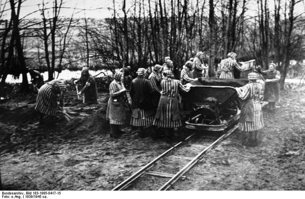 Mujeres prisioneras del campo de concentración de Ravensbrück. (Wikipedia)