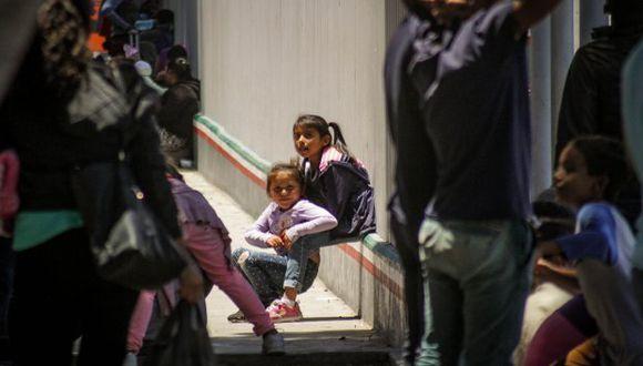 Este pacto anunciado beneficiará a las familias que ingresaron al país antes del 26 de junio. (Foto: EFE)