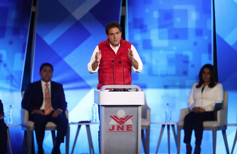 Candidatos a la Alcaldía de Lima exponen sus propuestas ante la población. (Renzo Salazar/Perú21)