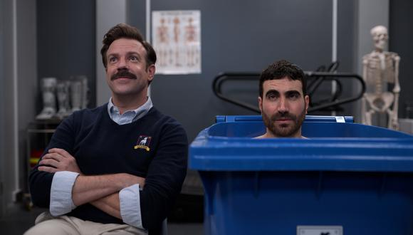 """Ted Lasso (Jason Sudeikis) y Roy Kent (Brett Goldstein) en una de las escenas de la primera temporada de """"Ted Lasso"""" . (Foto: Apple TV+)."""