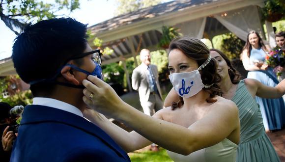 Con el relajo de las restricciones han aumentado las bodas en Estados Unidos. (Foto: Olivier DOULIERY / AFP)