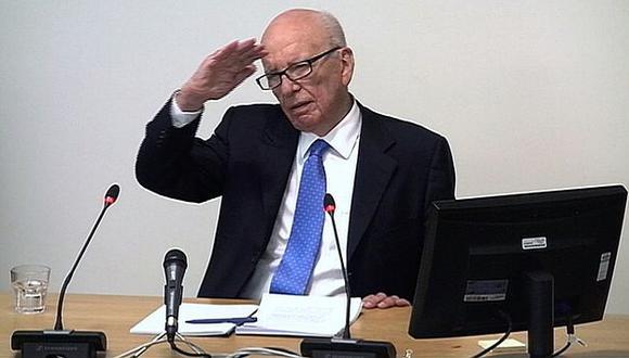 Murdoch se mostró enojado durante buena parte del interrogatorio. (Reuters)