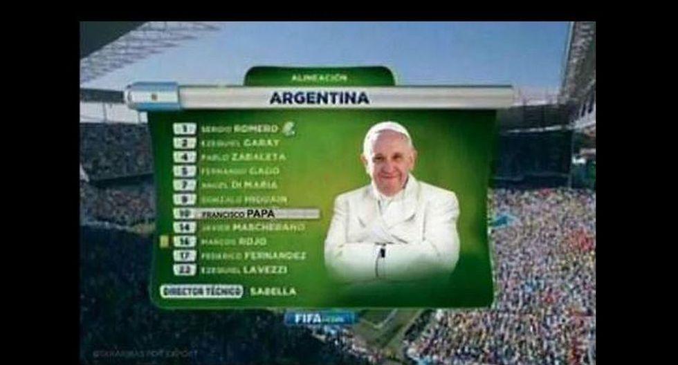 Los usuarios bromeban con la idea de alinear al Papa en el 11 inicial de Argentina.