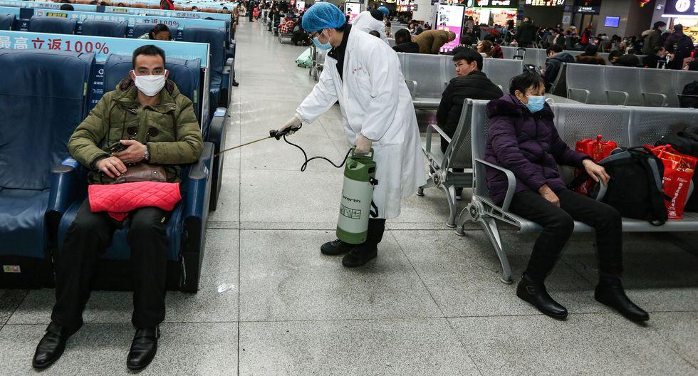 Las autoridades chinas dijeron que el número de afectados supera los 800 y de ellos 177 revisten gravedad. Asimismo había otros 1.072 casos sospechosos. (Foto: EFE)