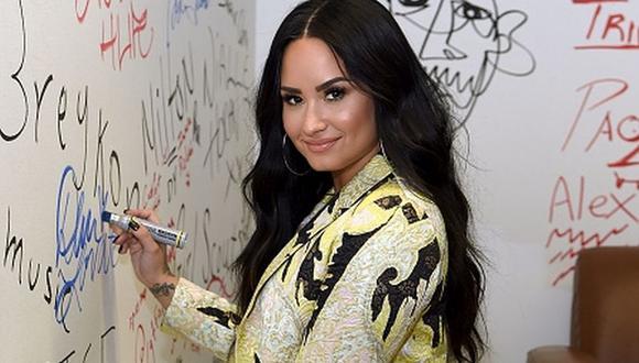 Demi Lovato (Instagram: @ddlovato)
