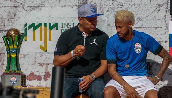 El padre de Neymar estaría en Turín, según información de RAI Sport. (Foto: AFP)