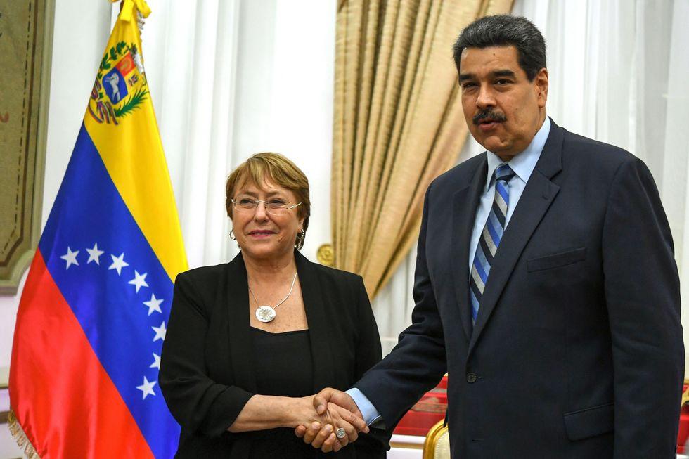 Maduro se reunió con Michelle Bachelet en Caracas el 21 de junio. (Foto: AFP)