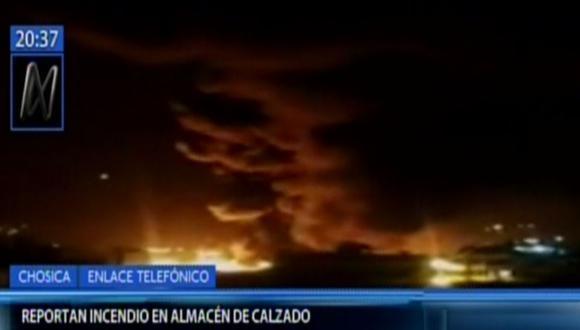 Incendio en Chosica movilizó siete unidades de bomberos para apaciguar el fuego. (Canal N)
