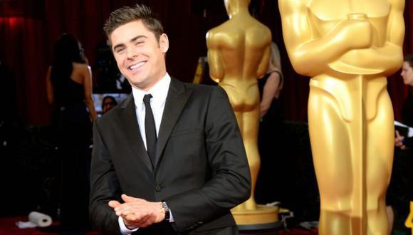 Oscar 2014: Zac Efron fue al evento con su terapeuta personal. (justjared.com)