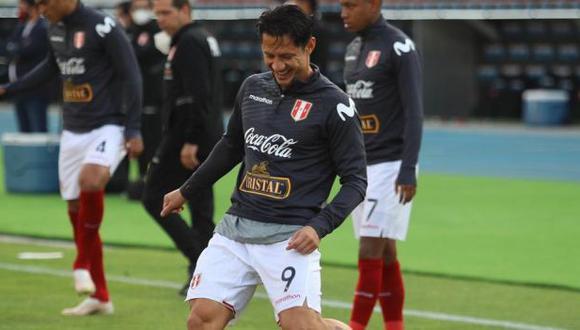 Gianluca Lapadula fue suplente y entró por Raúl Ruidíaz en el Perú-Chile. (Foto: FPF)