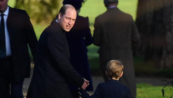 Guillermo de Cambridge y su hijo Jorge. (Foto: AFP)