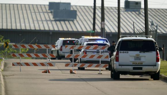 Cuatro policías fueron baleados y uno de ellos murió en un tiroteo del que no se tiene muchos datos. (Foto referencial: Sam Craft / AFP)