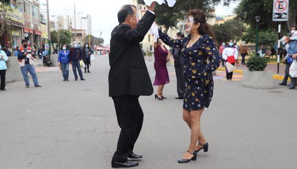 Los vecinos de Magdalena del Mar bailaron desde temprano como homenaje a víspera del bicentenario. (Foto: Municipalidad de Magdalena del Mar)