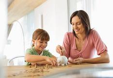 ¿Cómo les enseño a mis hijos a ahorrar?