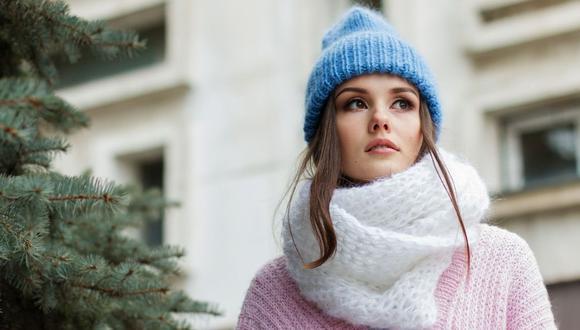 La primera prenda que haga contacto con tu piel tiene que ser de algodón, encima de esta puedes ponerte lana o polar si hace mucho frío. (Foto: Pixabay)