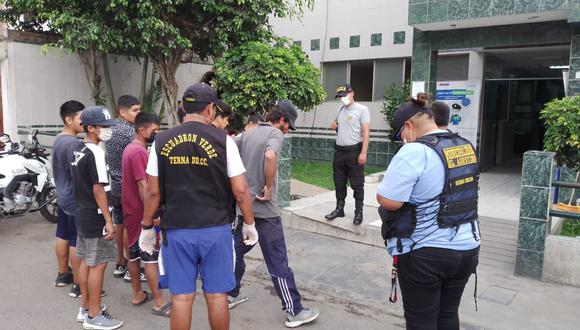 100 detenidos se reportaron en solo una hora de recorrido en Trujilo. (Referencial/GEC)