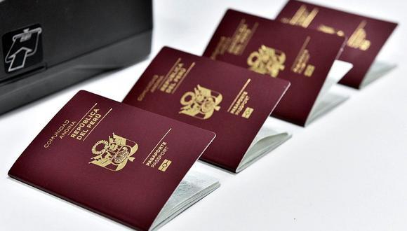 Puedes viajar solo con tu pasaporte o con tu DNI. (Foto: GEC)