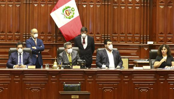 La Mesa Directiva del Congreso, que preside Manuel Merino, no ha explicado por qué demoró tantas semanas en darle trámite a las denuncias contra Alarcón. (Foto: Congreso)