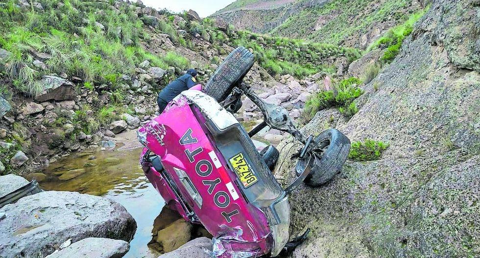 Camioneta siniestrada fue hallada a la altura del puente Toro Muerto.