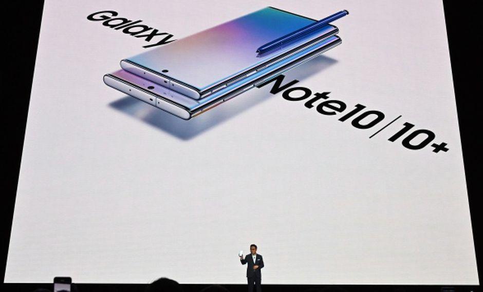El presidente y CEO de Samsung Electronics, Dong Jin Koh, presenta el Galaxy Note 10 en el Barclays Center en Brooklyn, Nueva York. (Foto: AFP)