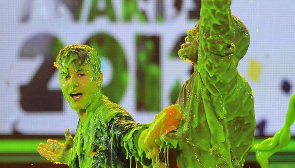 Los bañaron con 'baba' verde. (AP)