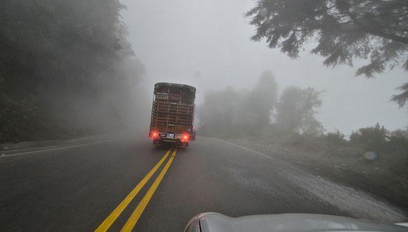 Para hoy a las 18:00 p.m. se espera una llovizna con niebla en el litoral. (Foto: Getty)