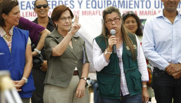 Alcaldesa Jessica Vargas indignada.