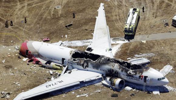 EMERGENCIA. Así quedó el Boeing 777 de Asiana Airlines tras su accidentado arribo a San Francisco. (AP)