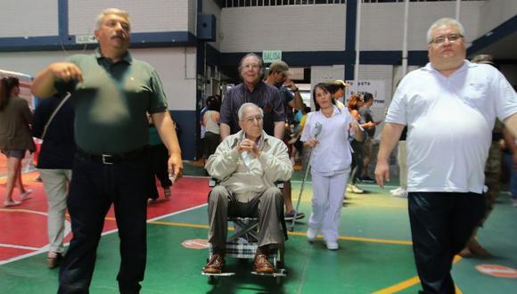 Luis Bedoya cumplió con su deber cívico a sus 100 años. (GEC)