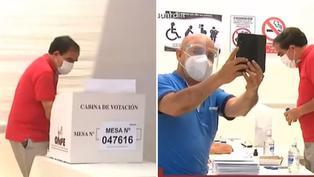 Elecciones 2021: Miembro de mesa se toma selfie mientras sufragaba Yonhy Lescano