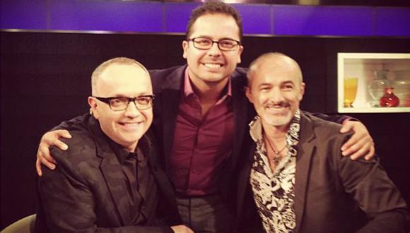 EN CNN. 'Cachín' en el set del programa 'Showbiz'. (Twitter de Miguel Valladares)