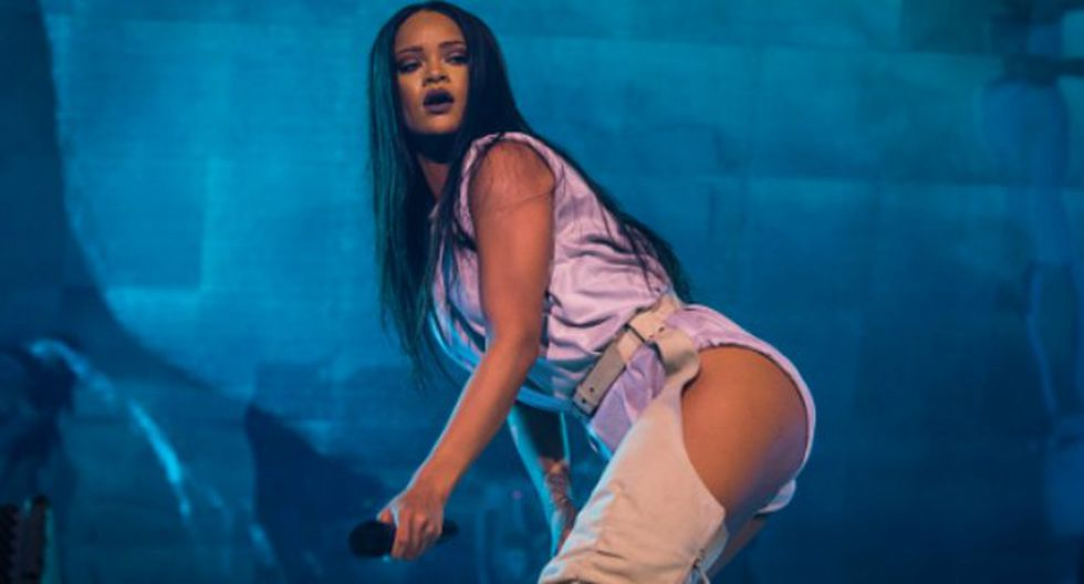 Pornhub no se quedó en un simple saludo. Quiso regalarle a Rihanna por su cumpleaños algo especial.