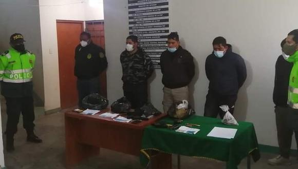 Ayacucho: La droga era transportada en una camioneta, de placa BBL-821, donde se hallaron los paquetes tipo ladrillo en bolsas de rafia. (Foto: PNP)