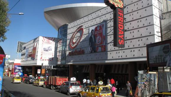 EN LA MIRA. Discoteca se levanta en el último piso del mall. (Heiner Aparicio)