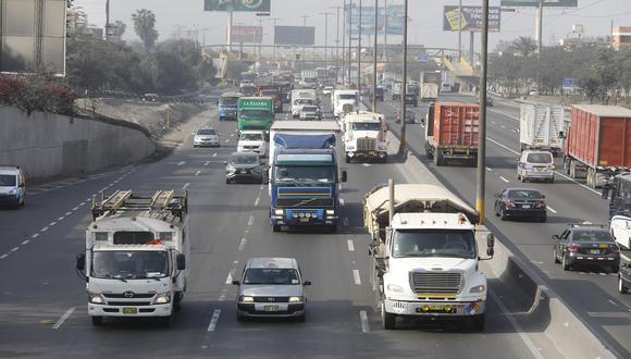 Amplían cronograma para la circulación de vehículos por macrozonas. (Foto: GEC)