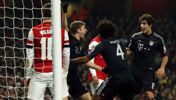 GOLPE EN LONDRES. Müller celebra su anotación. Los alemanes no tuvieron piedad de Arsenal. (Reuters)