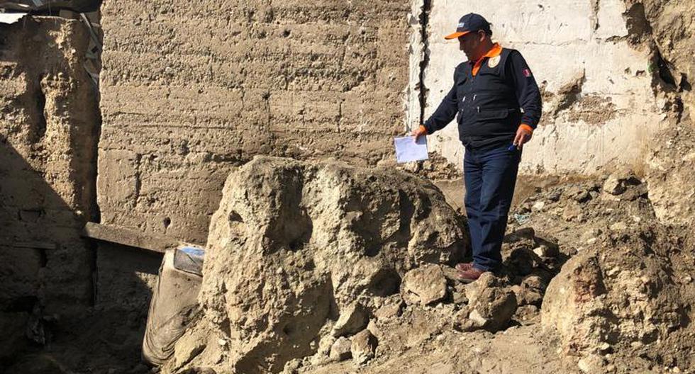 Cuerpos fueron hallados debajo de la roca, (Defensa Civil)