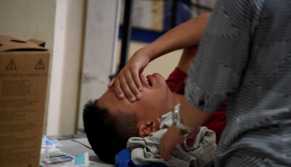 """""""Temporada de circuncisión"""" en Filipinas, un proceso doloroso para los niños. (Foto: AFP)"""