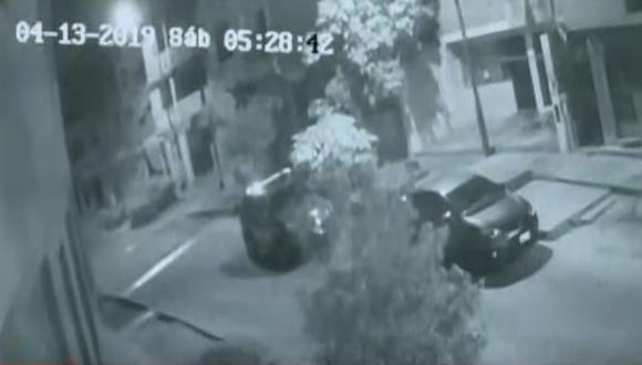 Las imágenes grabadas por las cámaras de seguridad serán determinantes para las investigaciones de la Policía Nacional. (Foto: Captura/América Noticias)