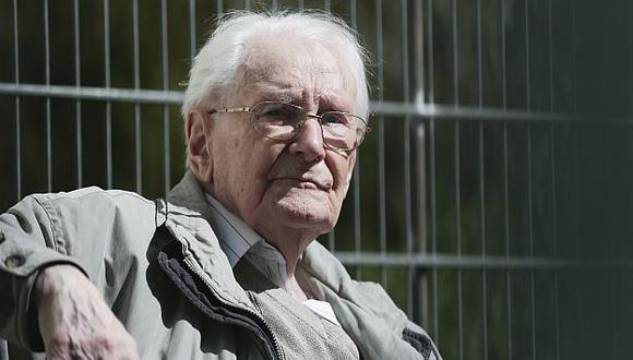 Holocausto: Luego de 70 años, someten a juicio a guardia de Auschwitz. (AP)