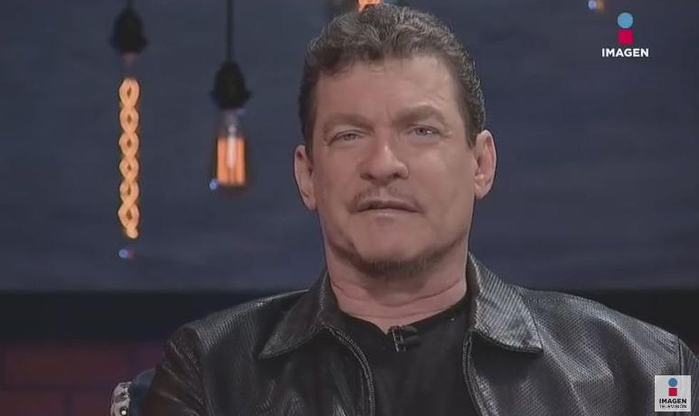Sebastián Ligarde en la televisión mexicana mientras confesaba haber sido víctima de abuso sexual. (Imagen Entretenimiento)