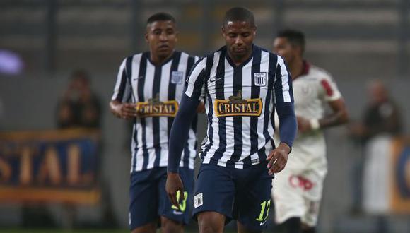 Hinchas de Alianza Lima intentaron agredir a jugadores por derrota ante Universitario. (Luis Gonzales)